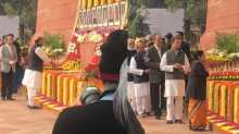 Politicians pay homage to martyrs of 2001 Parliament attack.