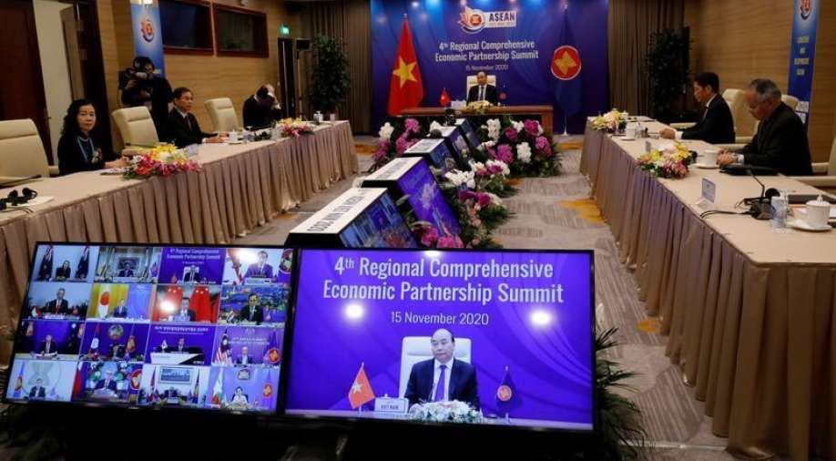 Asia forms world's biggest trade bloc, without US
